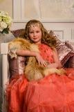 αρχαίο κορίτσι φορεμάτων Στοκ Φωτογραφίες