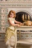 αρχαίο κορίτσι φορεμάτων Στοκ Εικόνα