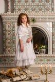 αρχαίο κορίτσι φορεμάτων Στοκ Εικόνες