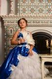 αρχαίο κορίτσι φορεμάτων Στοκ εικόνες με δικαίωμα ελεύθερης χρήσης