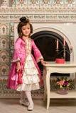 αρχαίο κορίτσι φορεμάτων Στοκ φωτογραφίες με δικαίωμα ελεύθερης χρήσης