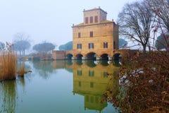 Αρχαίο κτήριο από Po τη λιμνοθάλασσα ποταμών, Ιταλία Στοκ φωτογραφία με δικαίωμα ελεύθερης χρήσης