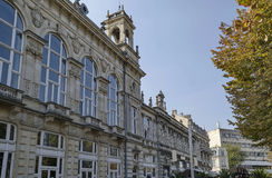 Αρχαίο κτήριο με την πλούσια διακόσμηση στο κέντρο της πόλης του Ruse Στοκ φωτογραφίες με δικαίωμα ελεύθερης χρήσης