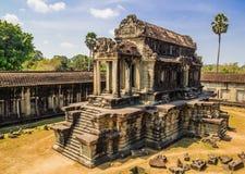 Αρχαίο κτήριο στο έδαφος του ναού Angkor Wat σε Angkor σύνθετο, Καμπότζη Στοκ φωτογραφία με δικαίωμα ελεύθερης χρήσης