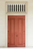 αρχαίο κόκκινο πορτών Στοκ Εικόνες