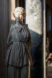 Αρχαίο μαρμάρινο άγαλμα με το πρόσωπο φωτός του ήλιου στο μουσείο Βατικάνου Στοκ Εικόνες