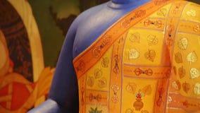 Αρχαίο μπλε βουδιστικό άγαλμα - Βούδας απόθεμα βίντεο