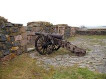 αρχαίο νησί οχυρών πυροβόλ& Στοκ φωτογραφία με δικαίωμα ελεύθερης χρήσης