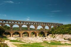 Αρχαίο παλαιό ρωμαϊκό υδραγωγείο του Pont-du-Gard, Νιμ Στοκ Εικόνες