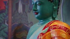 Αρχαίο πράσινο βουδιστικό άγαλμα - Βούδας φιλμ μικρού μήκους