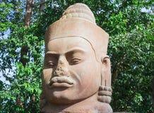 Αρχαίο πρόσωπο πετρών κοντά στο ναό Bayon, Angkor Wat Στοκ Εικόνες