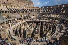 Αρχαίο ρωμαϊκό Colosseum στη Ρώμη, Ιταλία, νεφελώδης ουρανός στο υπόβαθρο Στοκ Φωτογραφία