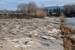 Αρχαίο φράγμα στον ποταμό Arno στοκ εικόνες