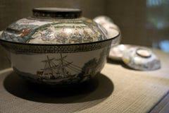 Αρχαίο χειροποίητο αντικείμενο δοχείων βάζων της Ασίας στοκ εικόνα