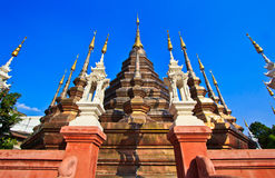 Αρχαίο stupa στο βουδιστικό ναό, Ταϊλάνδη Στοκ εικόνα με δικαίωμα ελεύθερης χρήσης