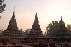 Αρχαίο stupa στο ιστορικό πάρκο Sukhothai Στοκ Φωτογραφία