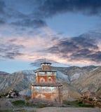 Αρχαίο stupa Bon στο χωριό Saldang, Νεπάλ στοκ εικόνα