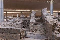 Αρχαιολογική ανασκαφή μουσείων περιοχών Akrotiri κοντά στο νησί Fira Santorini στοκ εικόνα με δικαίωμα ελεύθερης χρήσης