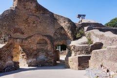 Αρχαιολογικό ρωμαϊκό τοπίο περιοχών σε Ostia Antica - τη Ρώμη Στοκ Εικόνες