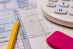 Αρχειοθετώντας φόροι και φορολογικές μορφές Στοκ Εικόνες