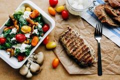 Αρχικά εξυπηρετούμενο μεσημεριανό γεύμα χωρών Στοκ εικόνες με δικαίωμα ελεύθερης χρήσης