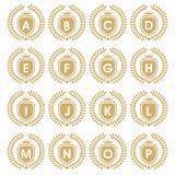 ΑΡΧΙΚΗ CREST ΛΟΓΟΤΥΠΩΝ ΜΕ την ΑΣΠΊΔΑ ΚΑΙ αρχικός καθορισμένος λόφος επιστολών με την κορώνα εραλδικό κομψό LogoCROWN Στοκ εικόνα με δικαίωμα ελεύθερης χρήσης