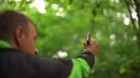 Αρχικός πυροβολισμός λεωφορείων, η έναρξη της φυλής απόθεμα βίντεο