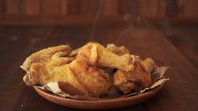 Αρχικό τηγανισμένο συνταγή κοτόπουλο φιλμ μικρού μήκους