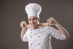 Αρχιμάγειρας με την κυλώντας καρφίτσα Στοκ Φωτογραφίες