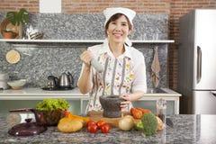 Αρχιμάγειρας με το κονίαμα Στοκ Φωτογραφία