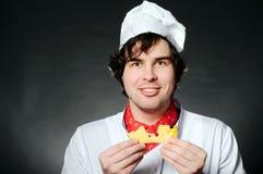 Αρχιμάγειρας με το τυρί στοκ φωτογραφίες