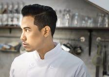 Αρχιμάγειρας στην κουζίνα Στοκ φωτογραφία με δικαίωμα ελεύθερης χρήσης