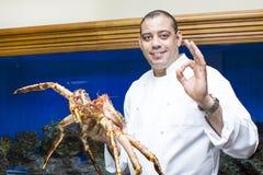 Αρχιμάγειρας του εστιατορίου ψαριών με τα θαλασσινά Στοκ φωτογραφία με δικαίωμα ελεύθερης χρήσης
