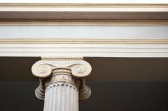 Αρχιτεκτονικές λεπτομέρειες στηλών Στοκ Φωτογραφίες