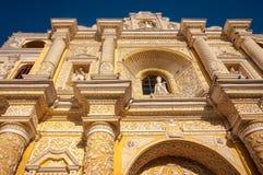 Αρχιτεκτονικές λεπτομέρειες Arabesque της εκκλησίας Λα Merced στη Αντίγκουα, Γουατεμάλα Στοκ φωτογραφία με δικαίωμα ελεύθερης χρήσης