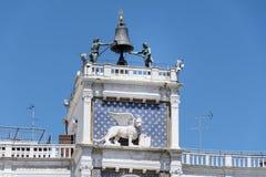 Αρχιτεκτονικές λεπτομέρειες Doge s του παλατιού, Βενετία, Ιταλία-φτερωτό λιοντάρι Στοκ εικόνα με δικαίωμα ελεύθερης χρήσης