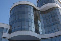 Αρχιτεκτονική εξωτερική λεπτομέρεια του βιομηχανικού κτιρίου γραφείων Στοκ φωτογραφίες με δικαίωμα ελεύθερης χρήσης