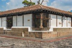 Αρχιτεκτονική λεπτομέρεια στο αποικιακό σπίτι στη Αντίγκουα Γουατεμάλα Στοκ Εικόνα
