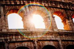 Αρχιτεκτονική και αψίδες του Colosseum στη Ρώμη, Ιταλία στοκ εικόνα