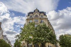 αρχιτεκτονική Παριζιάνος χαρακτηριστικός στοκ φωτογραφίες με δικαίωμα ελεύθερης χρήσης