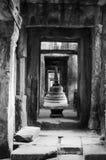 Αρχιτεκτονική παλαιού βουδιστικού στο πάρκο Angkor Archeological Μνημείο της Καμπότζης - Siem συγκεντρώνει Δημοφιλές τοπίο κινημα Στοκ Φωτογραφία
