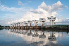 Αρχιτεκτονική που χτίζει τις όμορφες πόρτες υδροφρακτών Utho Wipat prasit Στοκ Εικόνα