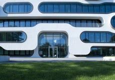 αρχιτεκτονική σύγχρονη Σύγχρονο κτίριο γραφείων στο Αμβούργο Στοκ Εικόνες