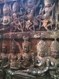 Αρχιτεκτονική της Καμπότζης Bas-ανακούφιση Ένας τραχύς-χαρασμένος αριθμός για το frontage του πεζουλιού του βασιλιά λεπρών χαράζο Στοκ φωτογραφία με δικαίωμα ελεύθερης χρήσης