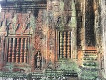 Αρχιτεκτονική της Καμπότζης Bas-ανακούφιση Η χάραξη τοίχων σε Angkor Wat σύνθετο Siem συγκεντρώνει Στοκ εικόνες με δικαίωμα ελεύθερης χρήσης