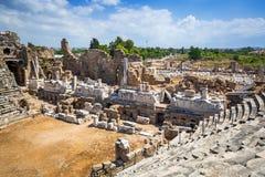 Αρχιτεκτονική του αρχαίου ρωμαϊκού θεάτρου στην πλευρά Στοκ εικόνες με δικαίωμα ελεύθερης χρήσης