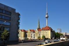 Αρχιτεκτονική του Βερολίνου και του πύργου ή Fersehturm TV Στοκ Εικόνες