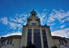 Αρχιτεκτονική του Art Deco στις Βρυξέλλες, σύγχρονη εκκλησία Στοκ εικόνα με δικαίωμα ελεύθερης χρήσης