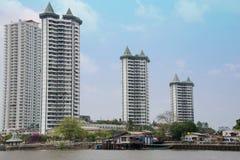 Αρχιτεκτονική όχθεων ποταμού στη Μπανγκόκ, Ταϊλάνδη Στοκ εικόνα με δικαίωμα ελεύθερης χρήσης