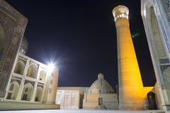 Αρχιτεκτονικός σύνθετος του POI Kalyan στην έναστρη νύχτα Μπουχάρα, Ουζμπεκιστάν στοκ φωτογραφίες με δικαίωμα ελεύθερης χρήσης